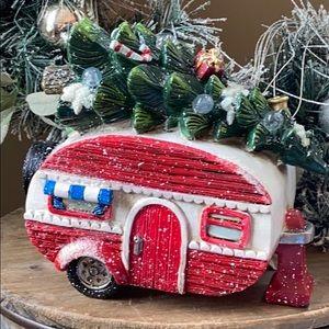 🆕 Lighted Vintage Retro Camper Christmas Decor